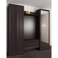 прихожая в квартиру с зеркальной дверью