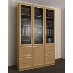 широкий книжный шкаф со стеклянными дверцами с ящиками