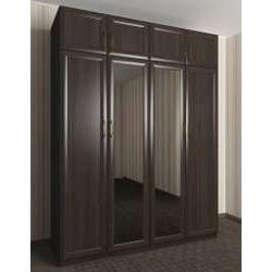 распашной шкаф для спальни с зеркальной дверью