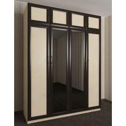 распашной шкаф с зеркальной дверью