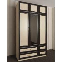 шкаф с распашными дверями с зеркалом