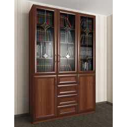 витражный 3-створчатый книжный шкаф со стеклом