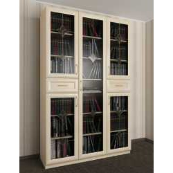 книжный шкаф со стеклянными дверцами с витражом
