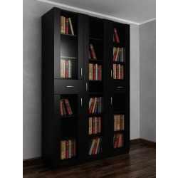 Широкий книжный шкаф со стеклянными дверцами с ящиками для мелочей черного цвета