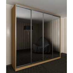 шкаф с раздвижными дверями с зеркальной дверью